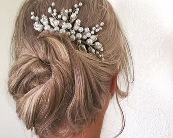 Bridal hair comb  Wedding hair comb  Leaf pearl hair piece  Bridal pearl hair piece  Bridal hair accessories  Bridal hair
