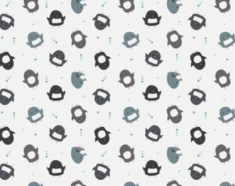 170381 White Penguin Toss