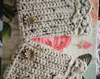 Lace arm warmers and wool