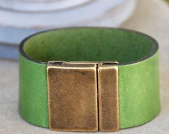 Wide green leather cuff,leather cuff,leather wristband,wide bracelet,green bracelet,leather wrap bracelet,wrist cuff,leather bracelet