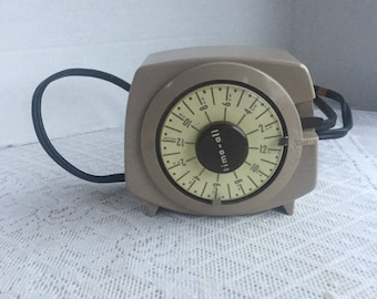 Vintage Time All Intermatic Timer / Electric Lamp and Appliance Timer Model A211 4