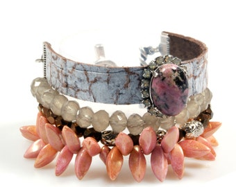 Bracelet pink grey brown with leather and beads, boho handmade jewelry, rhodonite stone with Swarovski cuff, snake print