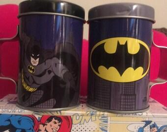 D.C. Comics Batman/Batman Signal  Tin Salt & Pepper Shaker Set