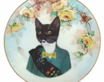 Kitty Scout - Altered vintage porcelain