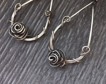 Silver earrings 925 antique by oxidation, roses with drops