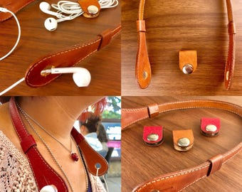 Best headphones holders & handmade in leather (with a gift!)