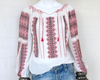 Vintage Embroidered Romanian Peasant Blouse//Bohemian Cotton Gauze Folk Blouse//Boho Hippie Ethnic Festival Top
