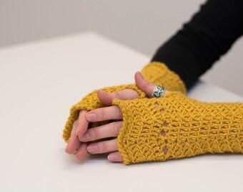 56# Fingerless crochet gloves   Instant download
