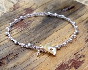 Delicate Crochet Beach Bride Bracelet, Minimalist Crocheted Jewelry, Light Pink Neutral Beach Style, Stack Bracelet, Summer Trends, Mermaid