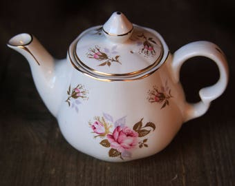 Vintage Single Serve Porcelain Teapot Pink Roses ~ Lord Nelson Pottery Handcrafted England ~ English Tea Time Cozy Country Cottage Kitchen