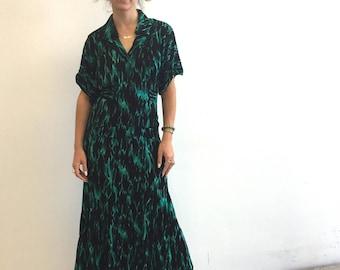 Vintage 80s Resort Dress- Maxi Dress - 80s does 40s - Peplum - Amazing Print