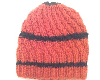 Hand knitted seamless hat for new borns (3-18 months)
