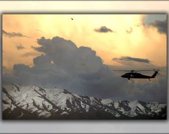 Poster, Many Sizes Available; Uh-60 Black Hawk Helicopter Flies Near Bagram Airfield, Afghanistan, March 22, 2007