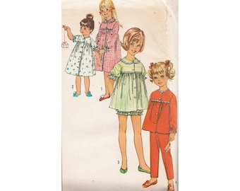 Vintage 1960s Girls Nightgown/Pajamas/Baby Doll Shorty Pajamas Simpicity Sewing Pattern 5739 Size 10 Breast 28 Front Buttons Lace Trim