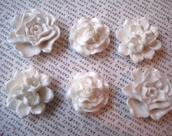 Large White Magnets, 6 pc Refrigerator Magnets, White Flowers, Fridge Magnet, Housewarming Gifts, Wedding Favors, Locker Magnets
