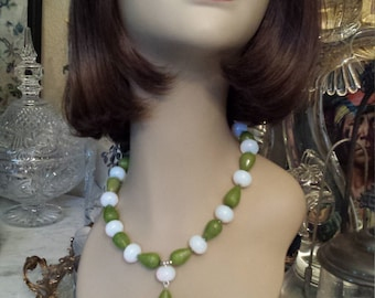 One strand necklace of jade and moonstone  with center drop