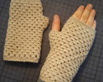 Mittens child beige cream crocheted cotton