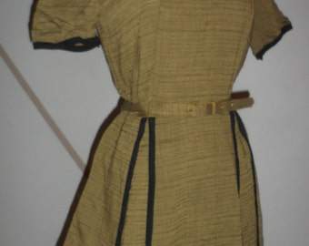 1950s dress  cute design in front  metal zipper
