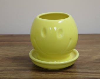 Adorable Vintage McCoy Pottery Ceramic Smiley Face Planter #0386 - Cheerful Vase - Have a Nice Day