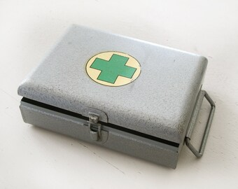 french Vintage First Aid Cross Metal Box, made in France, green cross