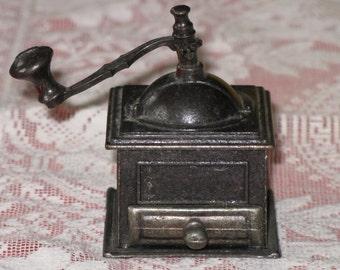Vintage Miniature Coffee Grinder Die Cast Metal Pencil Sharpener for Crafts, Dolls, Dollhouse Furniture