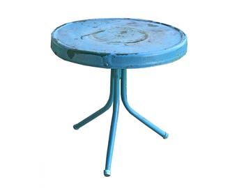 Charmant Round Metal Side Table