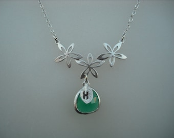 May Birthstone Necklace, Emerald Necklace, Silver Bridesmaid Necklace with Triple Flowers, Jewel, Initial Leaf,Bridesmaid Gift,Birthday Gift
