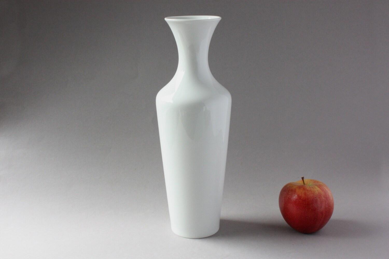 hohe hutschenreuther vase wei elegante porzellanvase. Black Bedroom Furniture Sets. Home Design Ideas