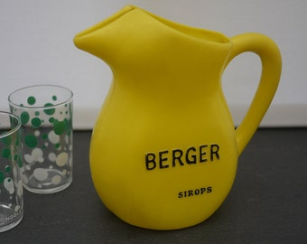 french Vintage Yellow Plastic Pitcher, Bistro Advertising Shepherd Water Jug 1960 s