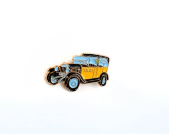 Taxi, enamel pin, lapel pin, car enamel pin, city enamel pin, backpack pin, denim jacket pin, hat-pin, souvenir enamel pin, urban life