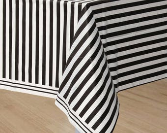 Black and white table cover