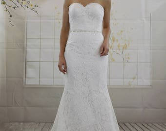 Classic Simple Sweetheart Mermaid White Lace Wedding Dress, Decorative Rhinestone Belt Beading