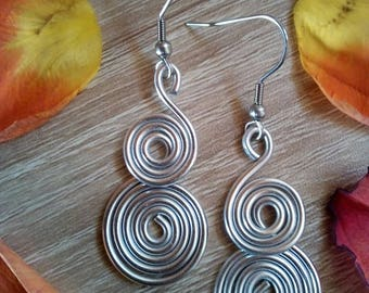 Spiral earrings, silver spiral, wire wrapped jewelry, dangle earrings, elegant jewel, festival jewel, aluminium jewelry, silver earrings