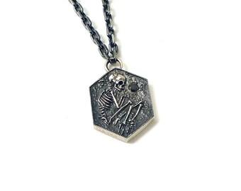 Shallow Grave Pendant (silver)