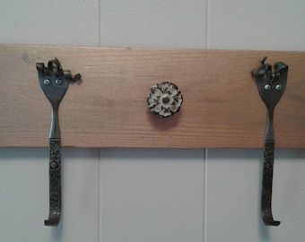Fork and spoon hooks