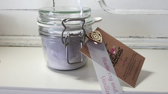 Kilner style jar.  Beautiful soy wax candle scented with blueberry and vanilla.  Vegan candles.  Eco soy.  Made in Wales UK