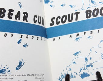 1960 Bear Cub Scout Book -- Boy Scouts Of America -- Badges, Arrow Points, Handbook, Guide, Eagle, Scouting