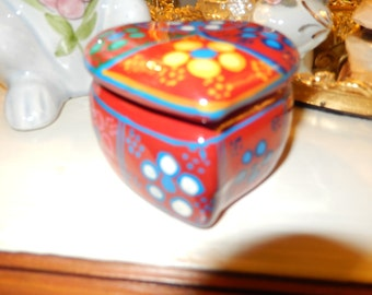 HAND PAINTED HEART Box