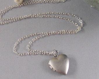 Vintage Silver Locket,Vintage Locket,Vintage Neckalce,Heart,Heart Locket,Sterling Silver,Silver Locket,Antique Locket,Wedding
