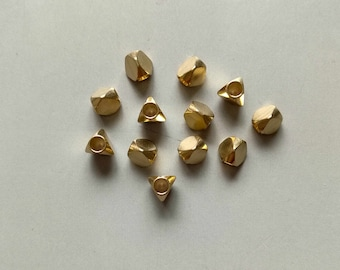 100pcs Raw Brass Triangle Faceted Beads Spacer Beads 6mm - F275
