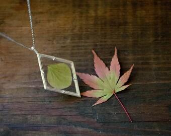Pressed Flower Jewelry, Real Flower Necklace, Hydranga Green Flower Glass Pendant