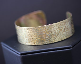 Pretty Etched Brass Cuff Bracelet (041318-006)