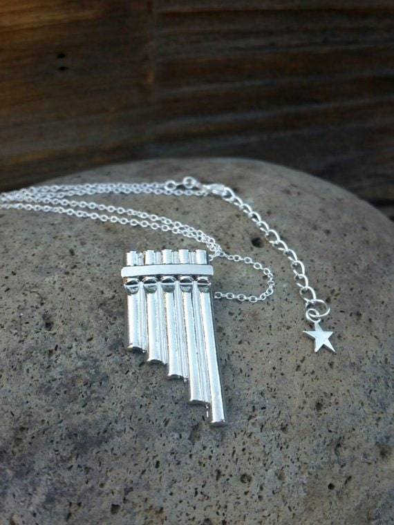 Peter Pan Flute Necklace, Pan Flute Pendant, Neverland, Peter Pan Costume Jewelry, Peter Pan Jewellery, Peter Pan Cosplay, Music Necklace
