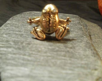 Vintage Healing Little Frog Ring With Moving Legs And Crystal Eye's