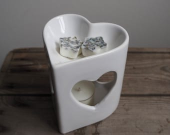 White Ceramic Heart Shaped Oil Burner/Wax Melt Burner Warmer Diffuser
