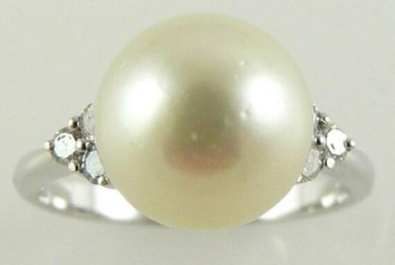 South Sea Light Golden 10.1mm Pearl Ring 18K White Gold & Diamonds 0.20ct