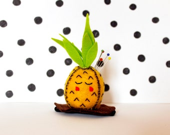 Pineapple wrist pincushion