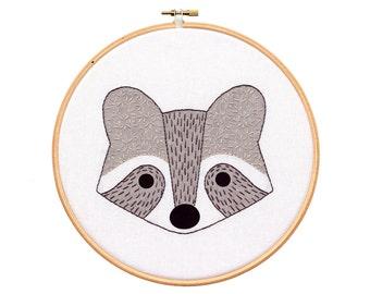 Raccoon Cub - Hoop Art Kit