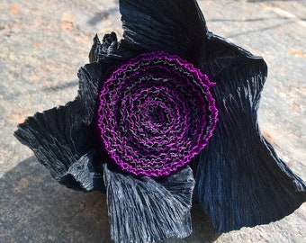 Purple and black crepe paper ring