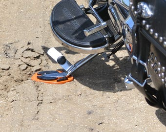 HOGPRINT Motorcycle Kickstand Support - Made in USA - Fits Harley - Leaves Hog Hoof Impression in soil/sand/grass